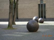 Bolas de Hierro, Plaza de Colonia, Alemania