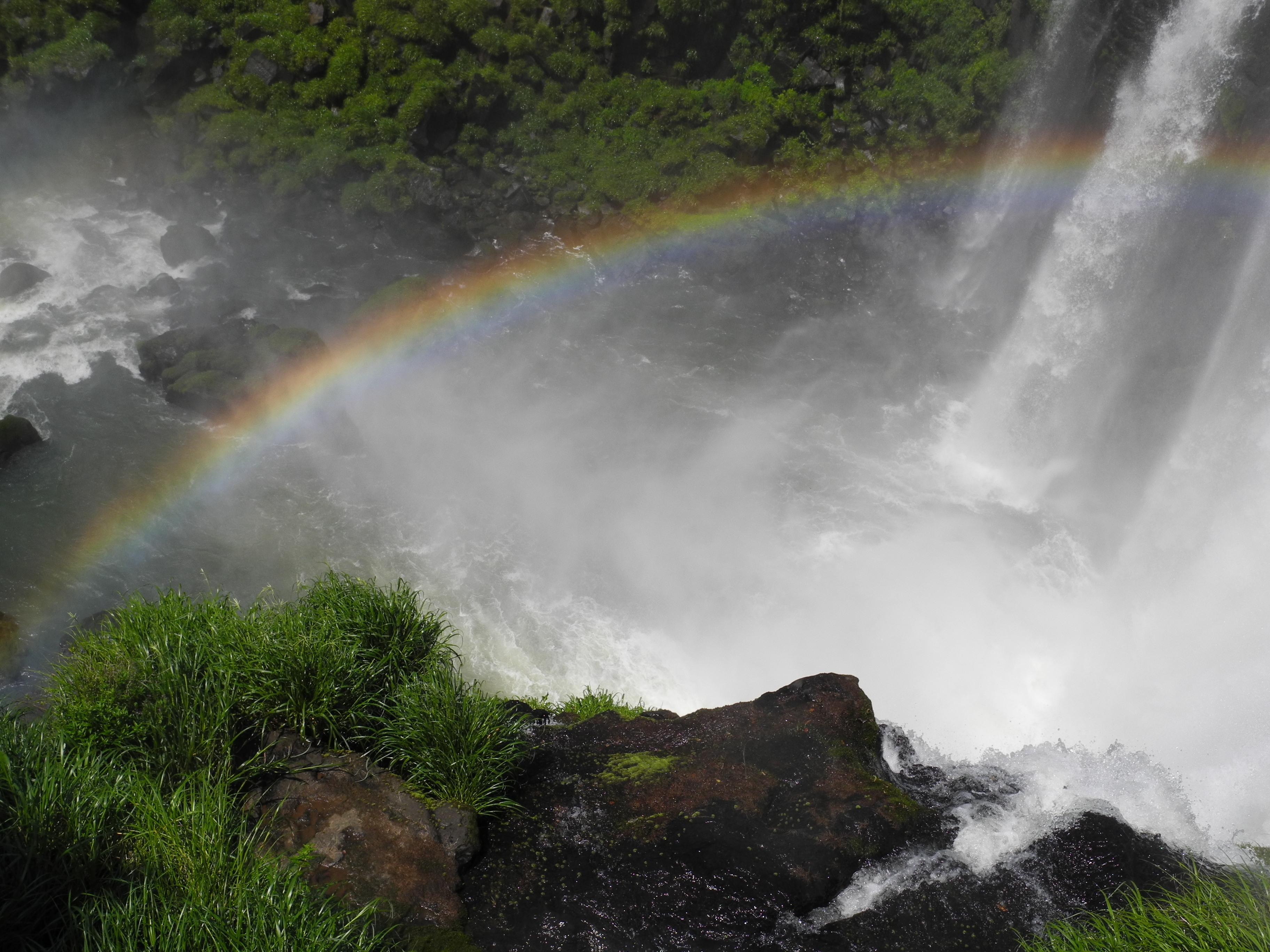Foto cataratas del Iguazú 10 -arco iris