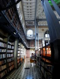 Interior de Biblioteca - Fort de France
