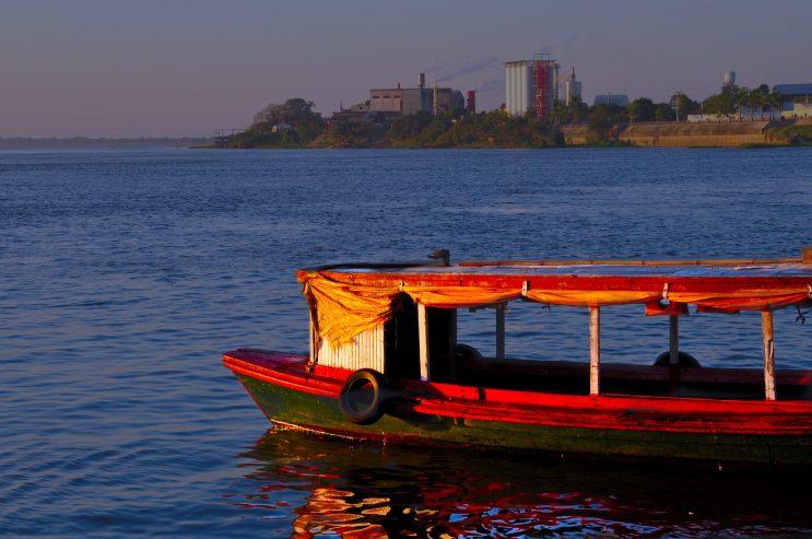 Barca frente a Formosa