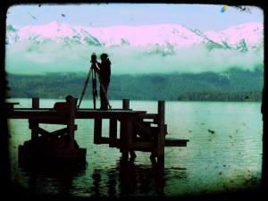 agrimensor en el lago Nahuel Huapi