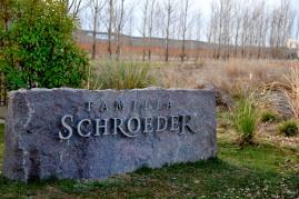 Entrada Bodega Familia Schroeder