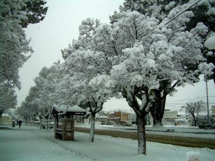 Nieve en Plaza de Esquel 2