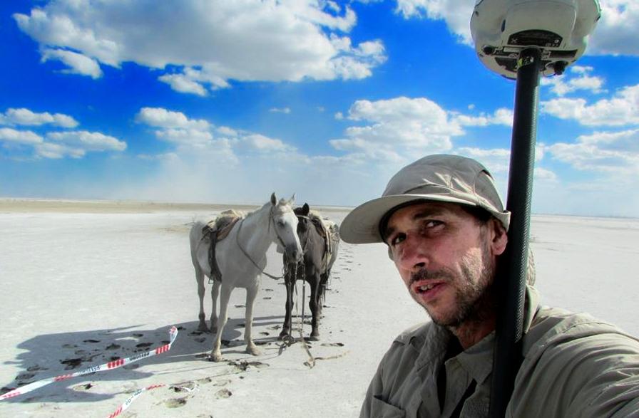Marcelo Sarmiento en el desierto