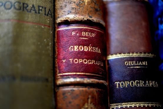 Antiguos libros de topografías y geodesia
