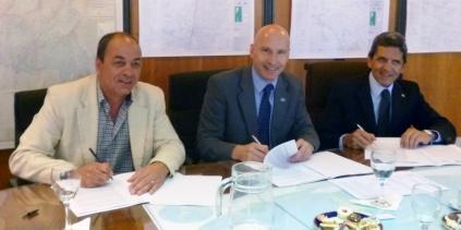 Agrim. Hugo Gatica, Agrim. Sergio Cimbaro, y Agrim. Carlos Diez